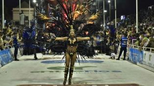 Unas 25 mil personas colmaron el corsódromo en la tercera jornada del Carnaval del País