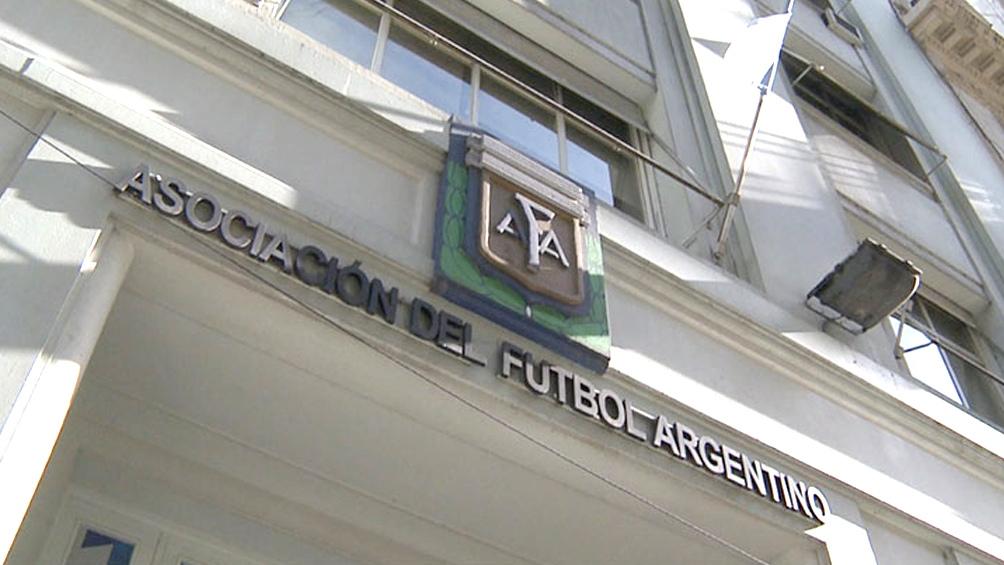 La suspensión del fiscal deberá ser ratificada en la próxima Asamblea de la AFA