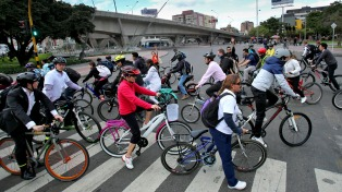 """Casi 1,8 millones de personas usaron bicicletas para circular en Bogotá por el """"Día sin carro"""""""