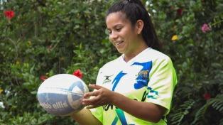 Brenda, la primera mujer indígena árbitro de la Unión de Rugby Argentina, una apasionada por la pelota ovalada