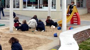 Cuadernillos y juegos en familia, así es empezar el jardín de infantes en medio de la pandemia