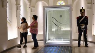 A 200 años del cruce de los Andes, una muestra de pinturas y objetos recuerda la gesta de San Martín
