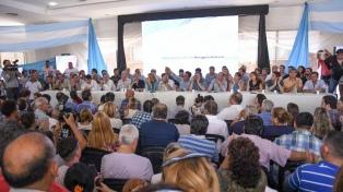 El PJ bonaerense no logró la unidad y habrá internas entre Espinoza y Menéndez