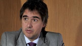 Lorenzino criticó a Edesur por argumentar que no puede concretar inversiones.