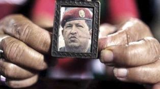 Reactivan la cuenta de Twitter de Chávez tras el adelanto de las elecciones