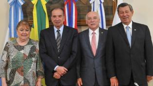 Los cancilleres del Mercosur y la Alianza del Pacífico se reunirán mañana en Buenos Aires