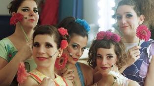 Los 10 años de humor, música y teatro de Ciertas Petunias llegan al Picadero