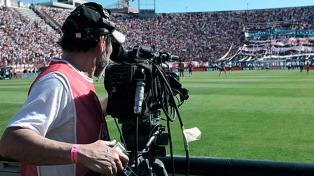 La televisión les pagó abril a los 24 clubes de la Superliga