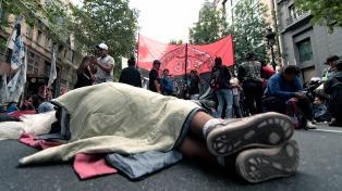 Tras casi 18 horas, manifestantes levantaron el acampe sobre la 9 de Julio