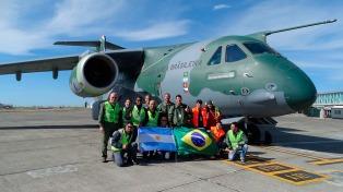 El carguero KC-390 de Embraer visitó por primera vez la Argentina
