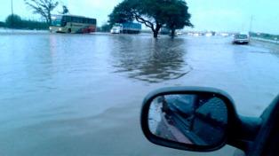 Fuertes lluvias anegaron calles y rutas en Alta Gracia
