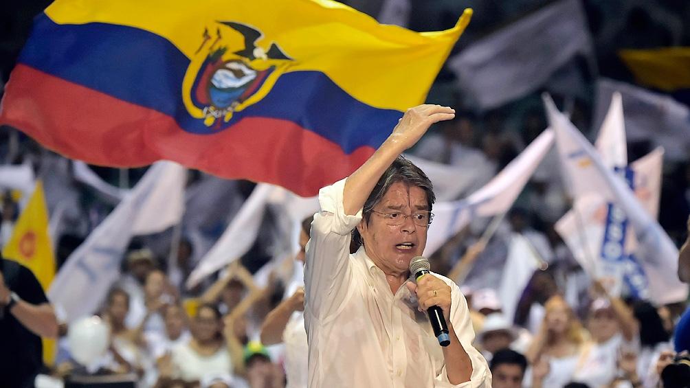 Guillermo Lasso, el candidato liberal espera sumar la mayoría de votantes anticorreístas.