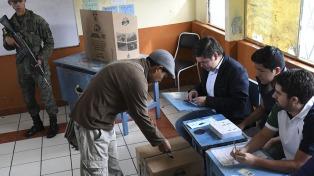 La directora de organismo electoral avala el nuevo conteo exigido por Yaku Pérez