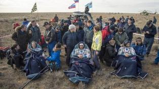 Aterrizó con éxito la nave Soyuz rusa con tres tripulantes a bordo