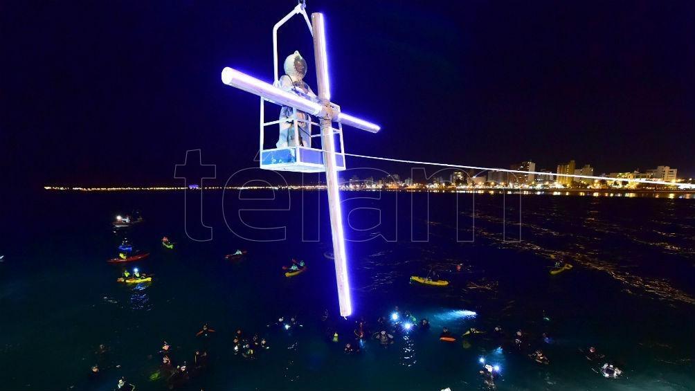 Entre turistas y vecinos, la edición 2019 del Vía Crucis reunió a más de seis mil personas.