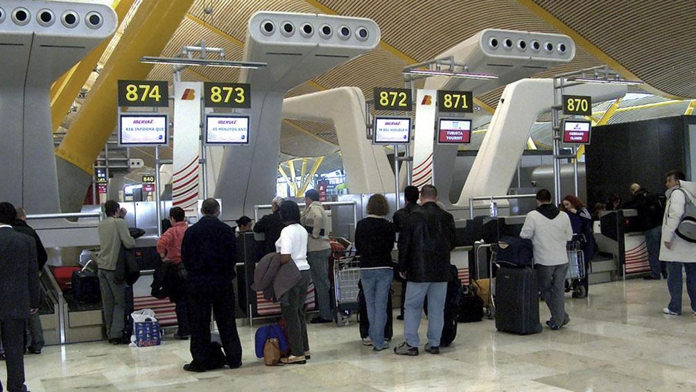 Los aeropuertos de Madrid y de Barcelona son actualmente la principal puerta de entrada a Europa para los argentinos.