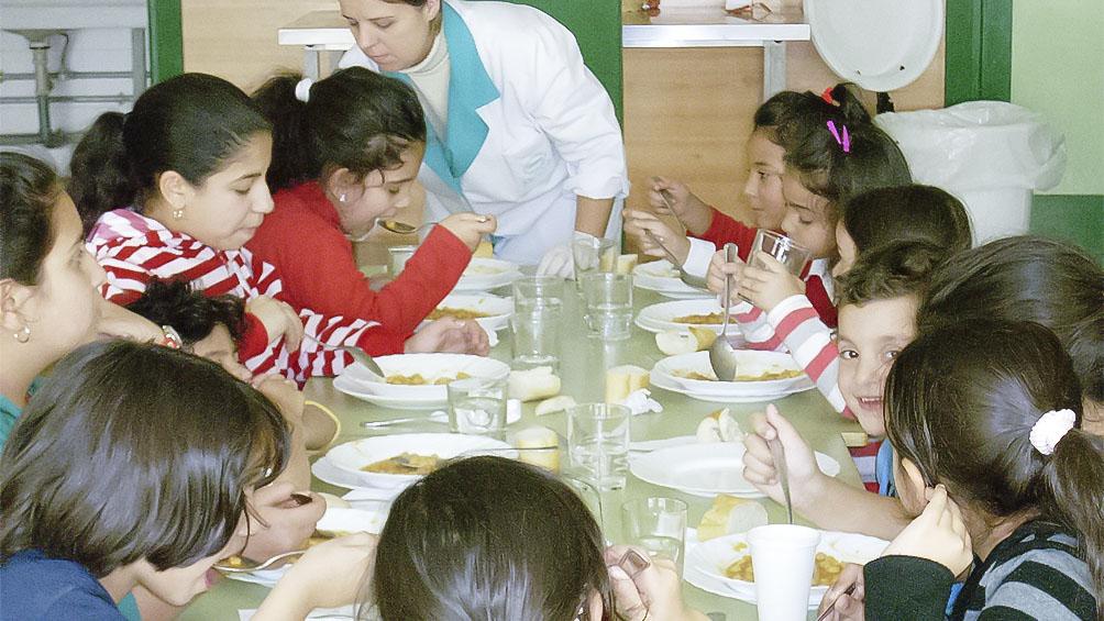 Los comedores escolares seguirán abiertos hasta completar la provisión de bolsones