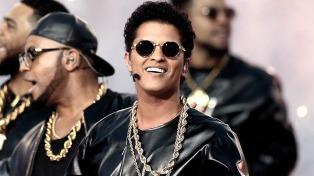Bruno Mars fue el gran rey en la 60° edición de los premios Grammy
