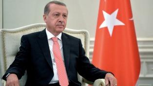 """A un día del G20, Erdogan acusó a Alemania de apoyar el """"terrorismo"""""""