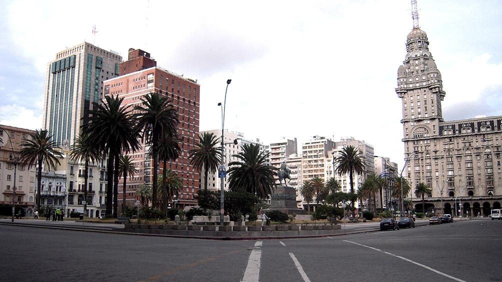 Ahora Uruguay advirtió a sus ciudadanos que viajan a Estados Unidos - Télam  - Agencia Nacional de Noticias