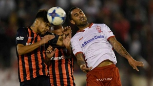 San Lorenzo sacó un gol de la galera y le ganó a Huracán