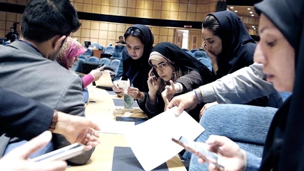 En Irán, los conservadores buscan retornar al poder tras 8 años de gobierno reformista