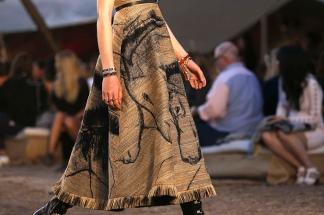 La industria de la moda desarrolló las primeras colecciones de ropa 100% digital.
