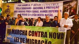 Grupo xenófobo marcha para pedir el veto de Temer a la nueva ley migratoria