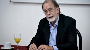 """""""El que pide una devaluación en el fondo está pidiendo una caída del salario"""", afirmó Javier González Fraga"""