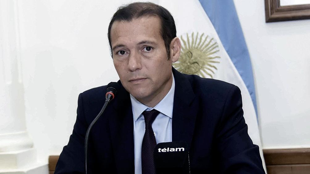 """El gobernador Omar Gutiérrez afirmó que se vive """"un momento muy difícil, muy complejo, muy triste""""."""