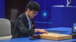 Un sistema de inteligencia artificial le ganó al número uno del mundo en el juego GO