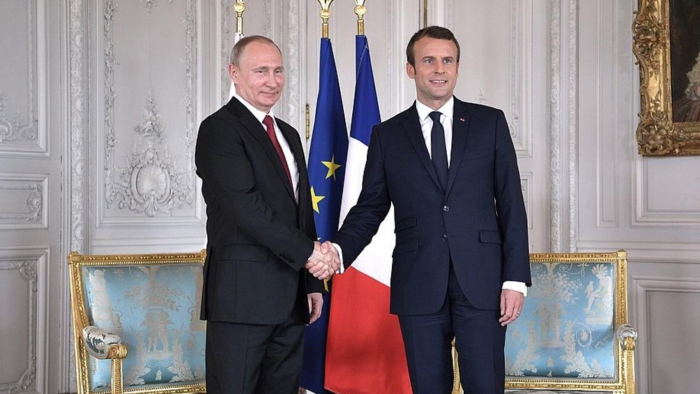 """Macron instó a Putin a """"comprometerse de buena fe"""" para lograr una reducción de las tensiones"""