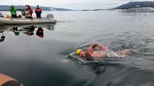 Un herrero de Viedma, el primer nadador en cruzar el canal de Beagle en temporada invernal