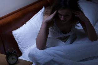 Los argentinos duermen dos horas menos que hace 50 años, según un estudio