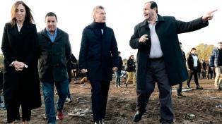 El presidente Macri supervisó el saneamiento de un basural