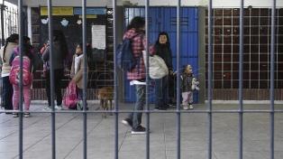 Villa Fiorito: escuelas siguen en alerta por la inseguridad, pero destacan el refuerzo de los corredores seguros
