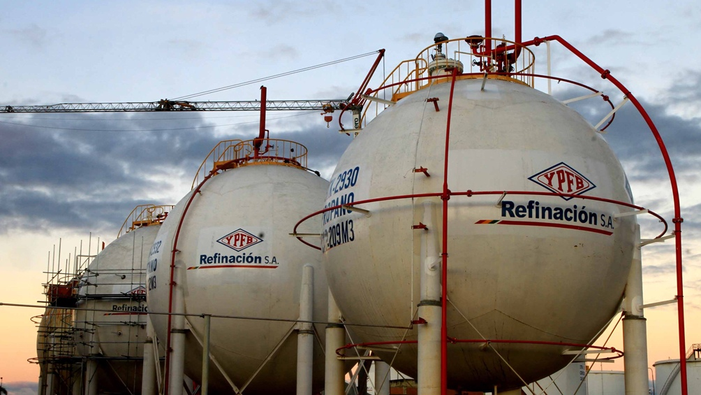 Resultado de imagen para Argentina ahorra US$ 300 millones por menor importación de gas a Bolivia