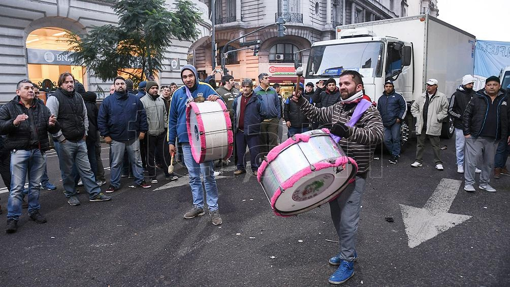 Los conductores  se habían concentrado antes sobre la avenida Mitre, en Avellaneda.