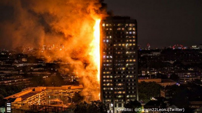 Theresa May recibirá a víctimas del incendio de Londres