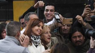 Cristina Kirchner relanza su campaña electoral con un acto
