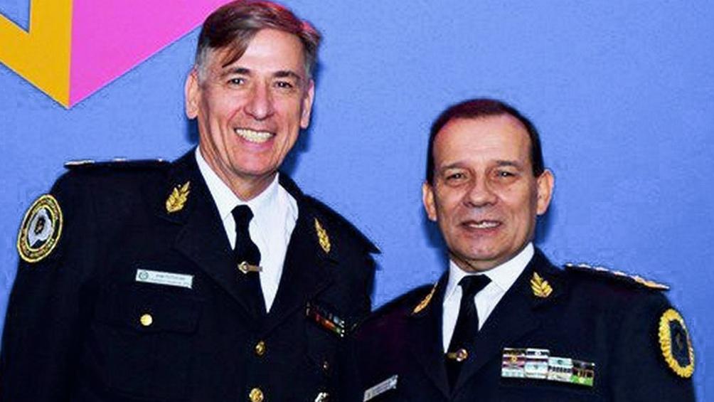 Potocar junto al comisario Guillermo Calviño, otro de los policías que resultó absuelto.