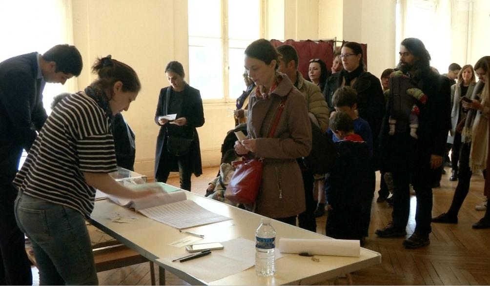 Los franceses de 13 regiones irán a las urnas para elegir a sus autoridades