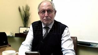 """El embajador en China sostuvo que la Argentina debe """"hacer un gran operativo de venta"""" de su producción"""