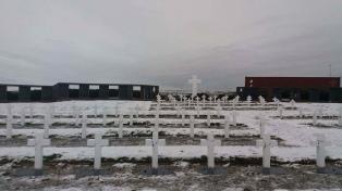 Ya se analizó la mitad de las muestras extraídas de 123 tumbas en Malvinas