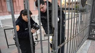 La Justicia pide informes sobre las medidas de seguridad en la Rosada por el choque de un auto