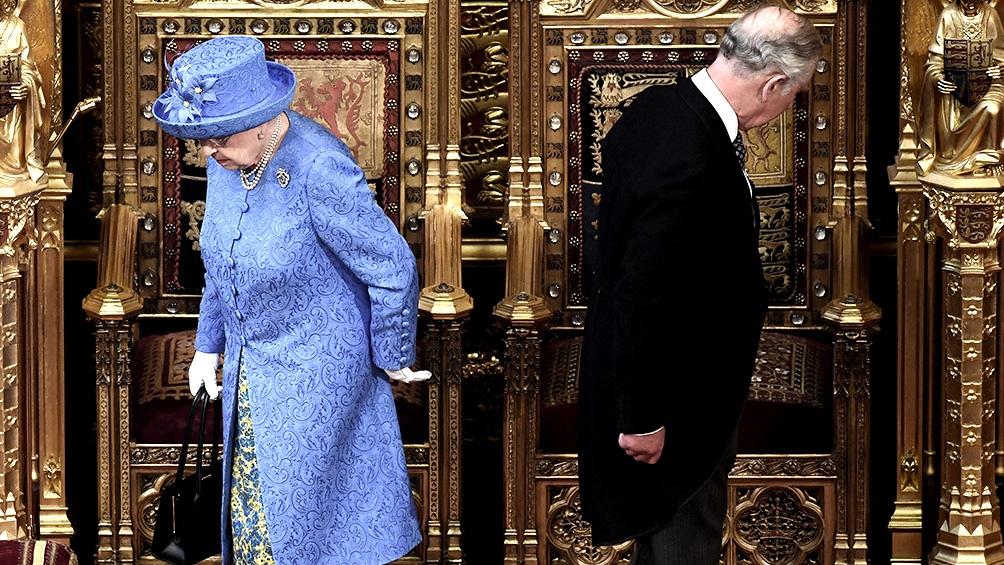 La soberana y su esposo estarán entre los primeros en ser vacunados