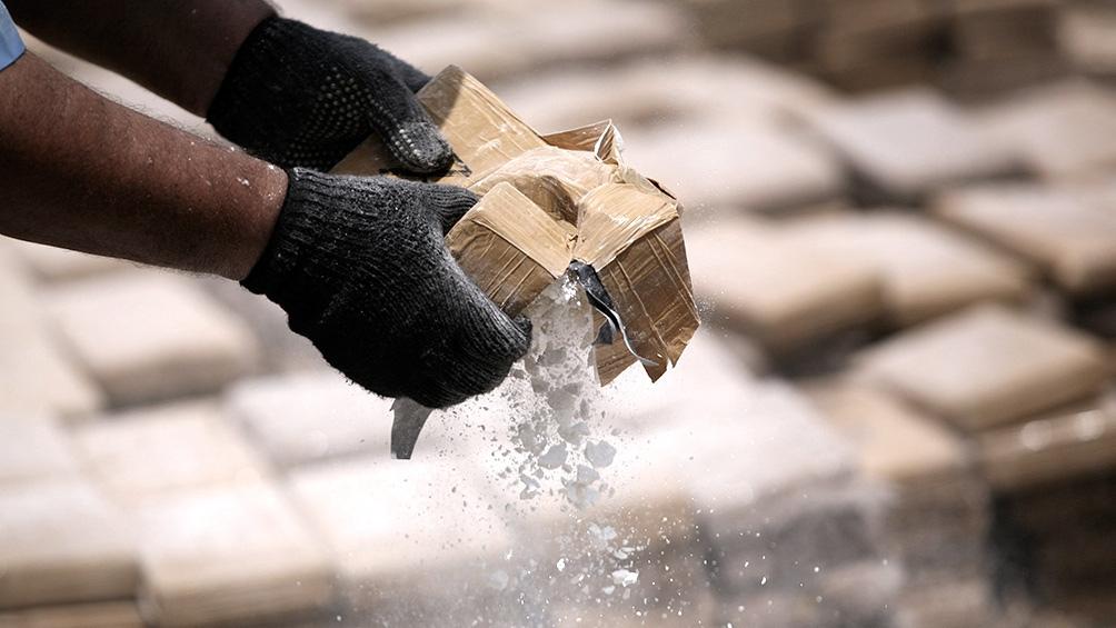 En Bahía Blanca fueron interceptados 1.800 ladrillos de droga, embalados en ocho cilindros de acero.