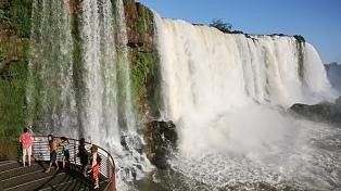 Brasil reabrió al público las cataratas del Iguazú
