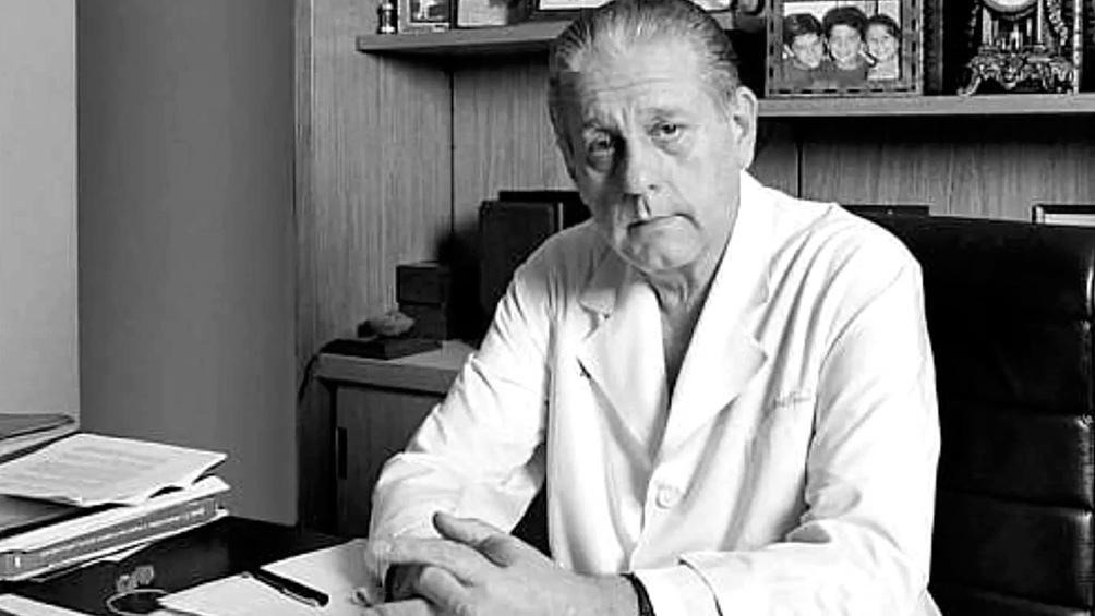 El 29 de julio de 2000 René Favaloro se quitó la vida de un disparo al corazón.
