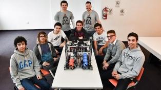Jóvenes argentinos construyeron un robot y representarán a la Argentina en EEUU